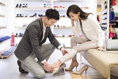 新版女式鞋店取名起名方法——高跟鞋挑选