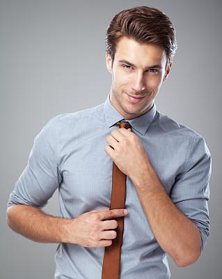 最新版男装店取名起名技巧——型男