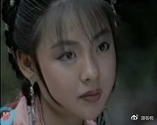 《江湖恩仇录》,  他的女一号叫——  向!春!花!