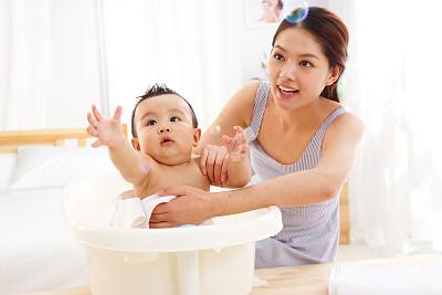 宝宝在洗澡,复姓宝宝起名