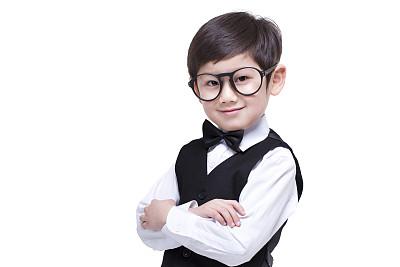 西装小男孩,有气质的男孩名应该怎么起名