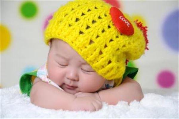 新生儿起名,要好认、好写、有较深刻的含义