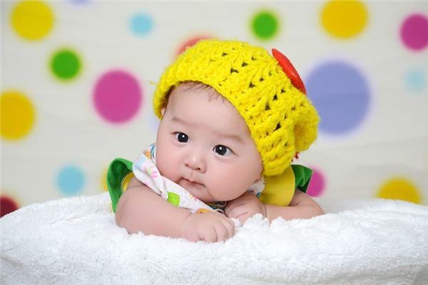 黄色帽子小宝宝